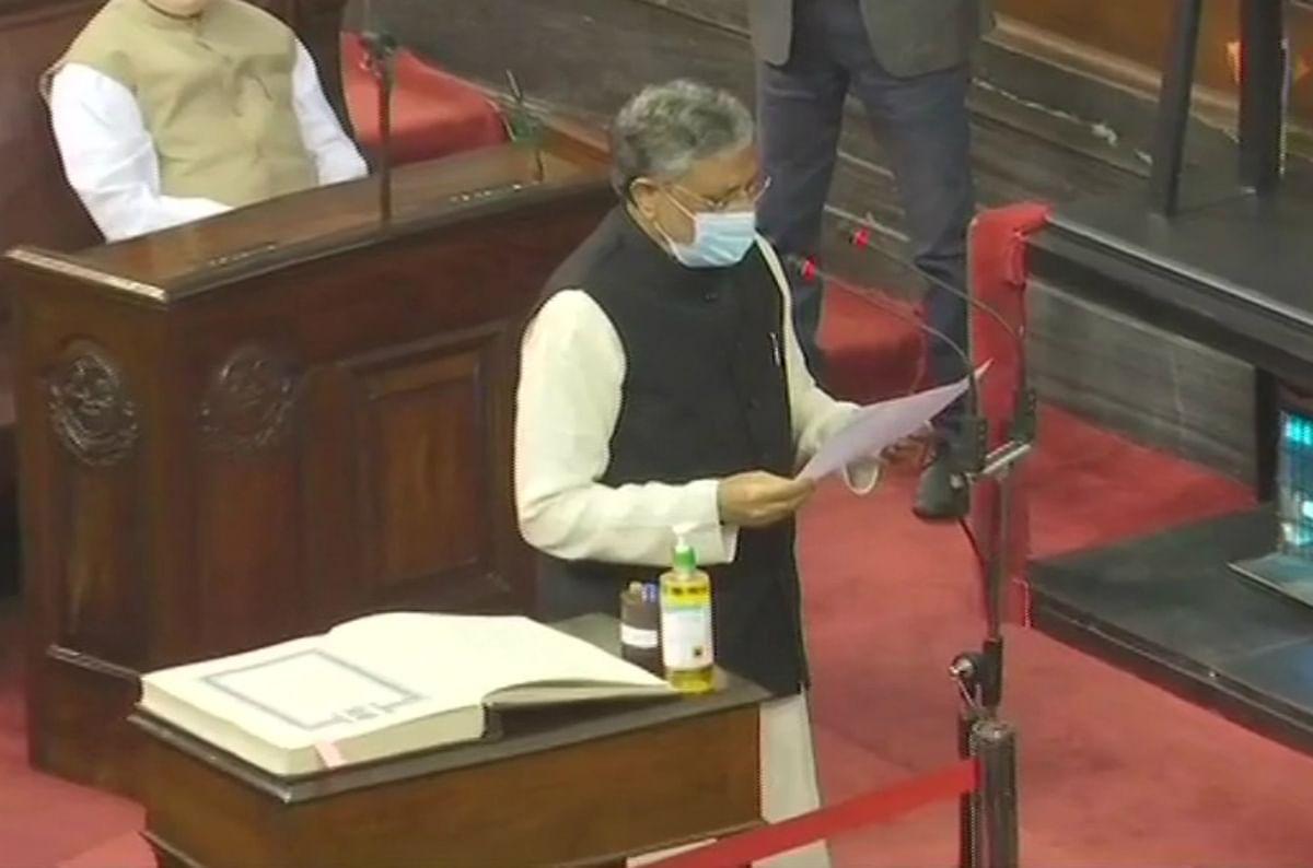 बिहार के पूर्व उपमुख्यमंत्री सुशील कुमार मोदी ने ली राज्यसभा सदस्य के रूप में शपथ