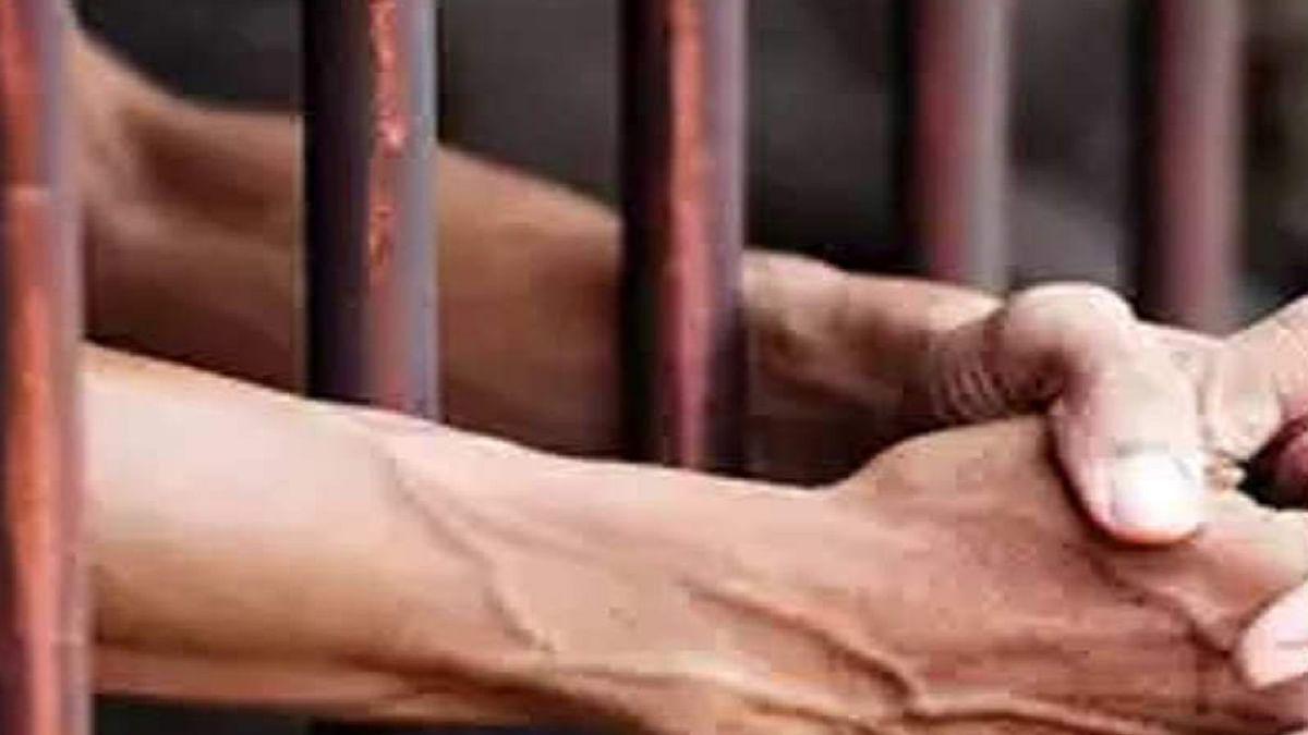 Pappu Sardar Murder Case Update :   देवघर सेंट्रल जेल में हत्यारोपी के लिए परोसी जा रही बिरयानी, कंडोम भी पकड़ाया