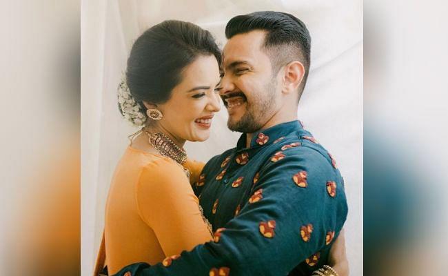 Aditya Narayan wedding : शुरू हुईं आदित्य नारायण और श्वेता अग्रवाल की शादी की रस्में, वायरल हो रही ये खास तसवीर