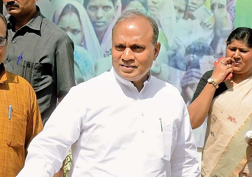 Nitish Kumar ने उन्हें बनाया JDU चीफ जिनके खिलाफ नहीं है एक भी क्रिमिनल केस, जानिए RCP Singh का Detail Profile