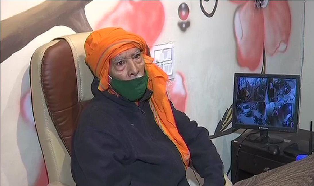 Baba Ka Dhaba बन गया फेमस रेस्टोरेंट, सोशल मीडिया में वीडियो वायरल होने के बाद बदल गयी जिंदगी