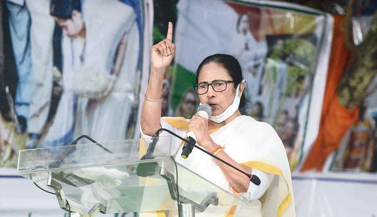 Bengal Election 2021: जब गुस्से में लाल ममता बनर्जी बोलीं, चूड़ियां पहनकर मैं अभी घर में नहीं बैठी