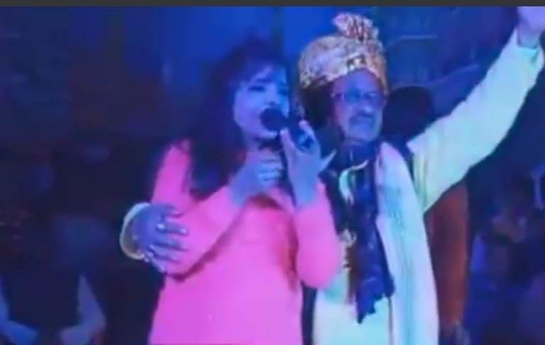 जदयू विधायक ने महिला डांसरों के साथ ठुमके लगाने के मामले में सरेआम कैमरे के सामने दी गाली, कहा- भगवान भी करते थे डांस