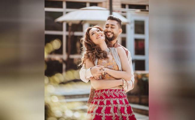 Gauhar Khan- Zaid Darbar Wedding : गौहर खान और जैद दरबार की वेडिंग डेट अनाउंस, रोमांटिक फोटो में लिखा प्यारा मैसेज