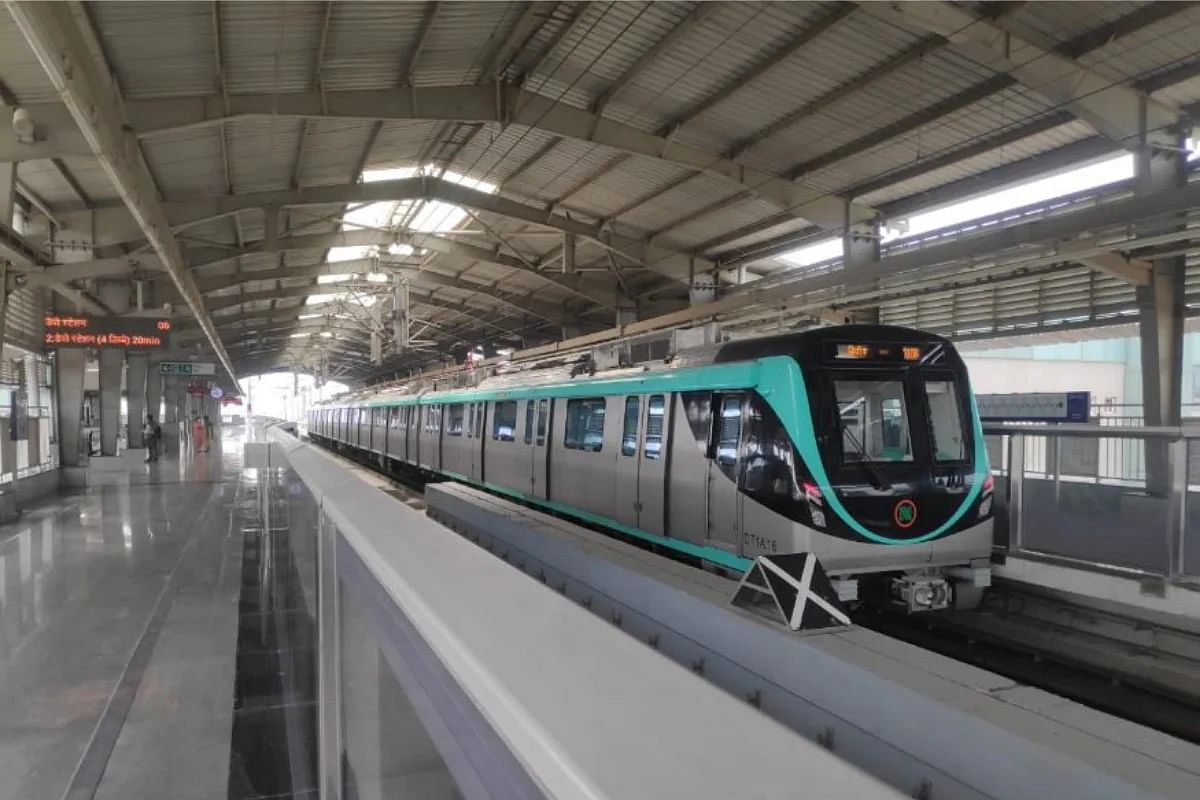 पीएम मोदी की हरी झंडी से आज से चलेगी देश की पहली ड्राइवरलेस ट्रेन, जानिए इसकी खासियत
