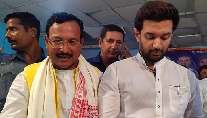 NDA से बगावत और Bihar Chunav में मिली हार से मुश्किल में चिराग, LJP के बड़े नेता ने किया पार्टी में टूट का दावा