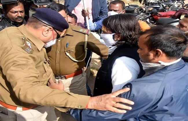 Lalu Prasad Yadav : अपने पिता लालू प्रसाद यादव से मिलने रिम्स पहुंचे बिहार के पूर्व स्वास्थ्य मंत्री तेज प्रताप यादव