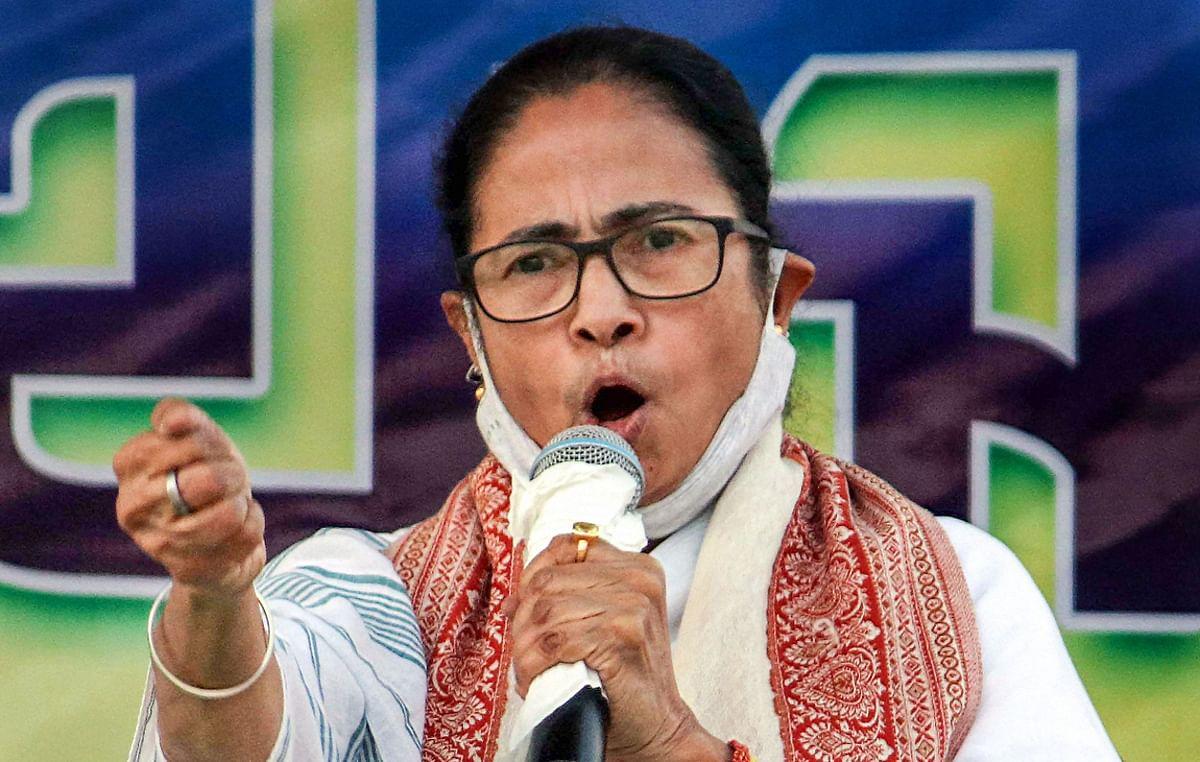 Bengal Chunav 2021 : बंगाल में आकर ममता की पार्टी का पोस्टर फाड़ रहे थे बिहार के दो युवक, TMC नेताओं ने कर दी पिटाई