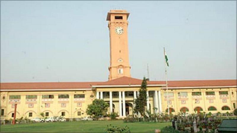 Bihar News: लापरवाही पर बिहार सरकार का बड़ा एक्शन , 21 जिलों के अफसरों के वेतन और मानदेय पर रोक