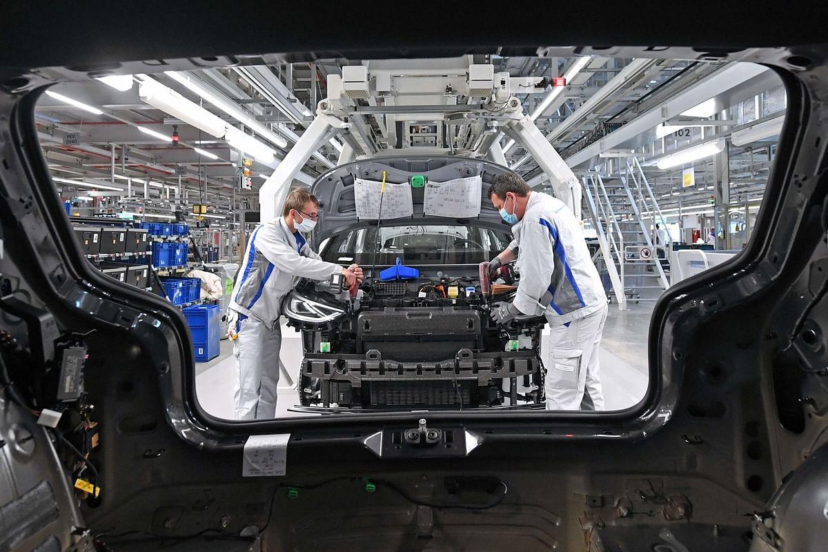 कोरोना संकट से कितना बदल गया वाहन उद्योग, पढ़ें यह जरूरी रिपोर्ट