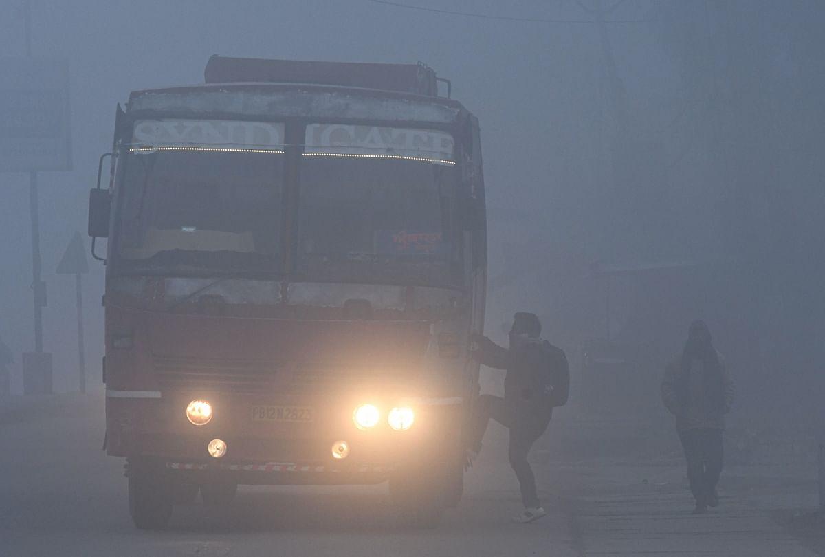 Weather Forecast Today LIVE Update : बिहार में यलो अलर्ट जारी, झारखंड में गिरेगा पारा,यहां होगी बारिश,उत्तर भारत में शीतलहर, जानें दिल्ली-यूपी सहित देश के अन्य राज्यों का हाल