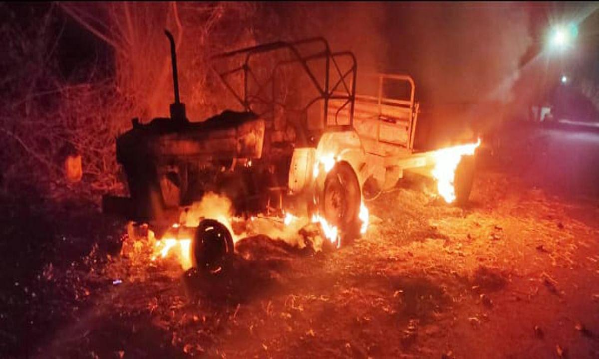 बरगांव में किसान की मौत पर उग्र हुए ग्रामीण, जलाया ट्रैक्टर, पुलिस को 3 घंटे तक शव उठाने से रोका