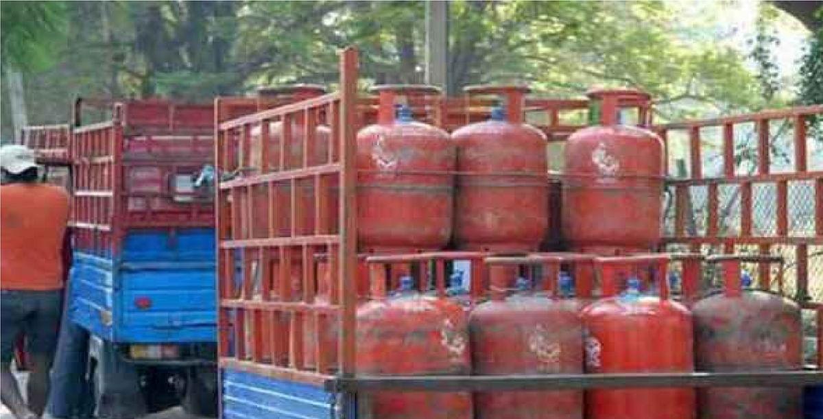 LPG Cylinder Price : घरेलू गैस के दाम में बढ़ोतरी ! जानें क्या है आपके शहर का नया रेट