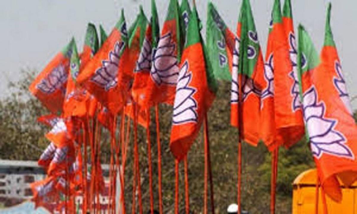 बंगाल चुनाव को देख रेस हुई बीजेपी, इलेक्शन मैनेजमेंट टीम का किया गठन, जानें किन नेताओं को मिली अहम जिम्मेवारी