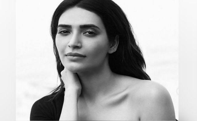 PHOTOS : करिश्मा तन्ना का लेटेस्ट बोल्ड फोटोशूट वायरल, बाथरूम में कुछ यूं पोज देती नजर आई 'नागिन' एक्ट्रेस