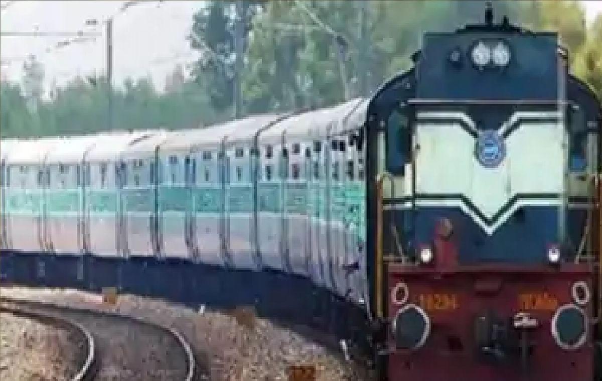Indian Railways Irctc News : रेलवे ने लिया बड़ा फैसला, इन रास्तों पर 12 स्पेशल ट्रेन