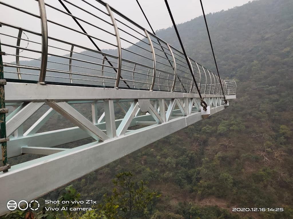 Bihar News: राजगीर में बना देश का दूसरा ग्लास स्काईवॉक ब्रिज, चीन की तर्ज पर किया गया है तैयार, देखें VIDEO