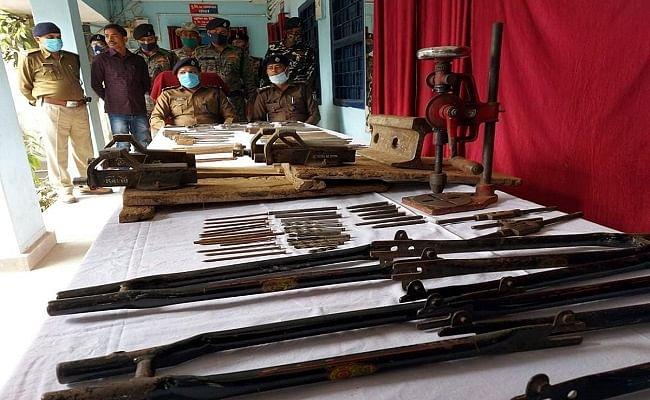 Bihar News: झोपड़ी के अंदर चलाई जा रही थी मिनी गन की फैक्ट्री, पुलिस ने की छापेमारी, दो तस्कर गिरफ्तार