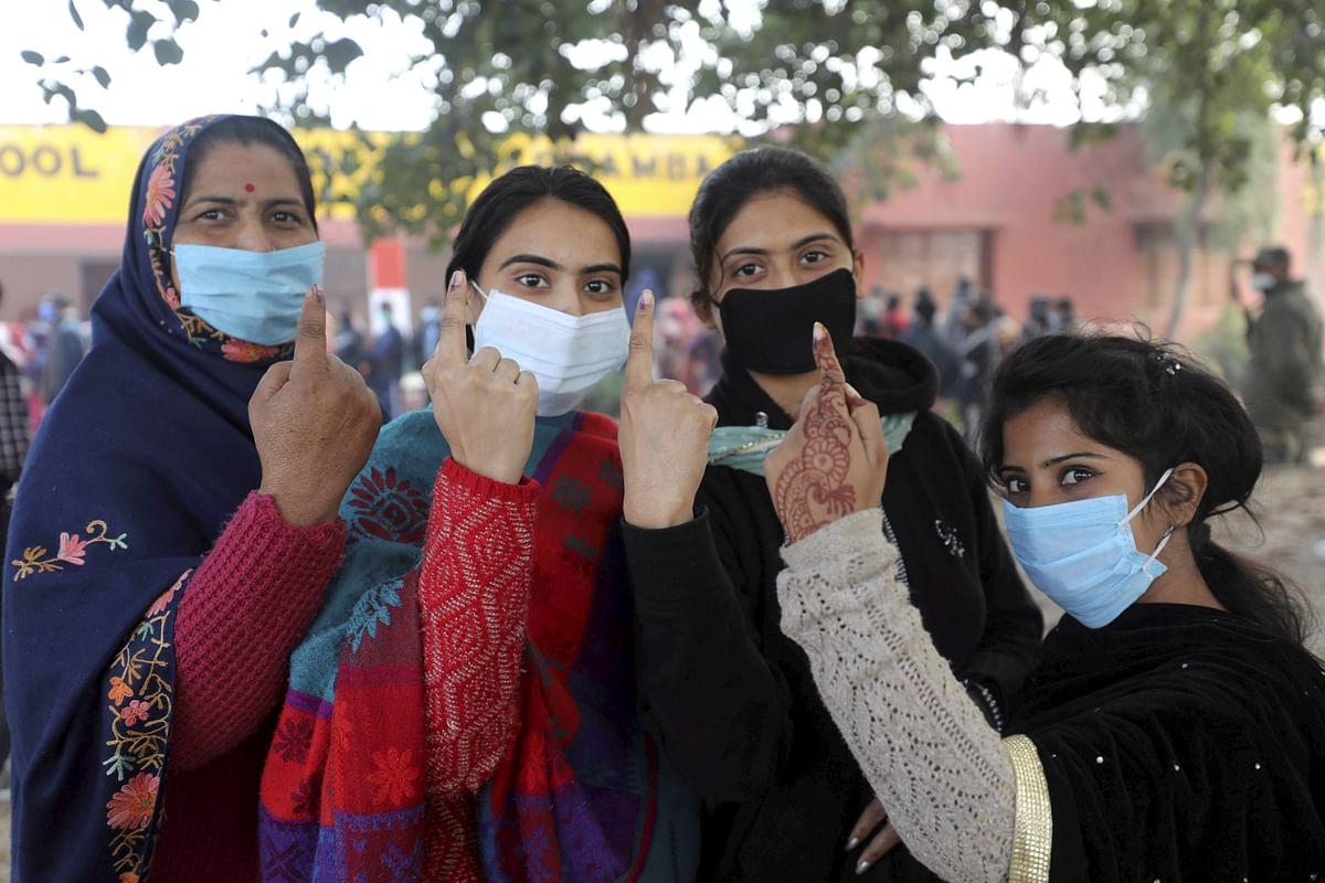 Rajasthan Panchayat Chunav: राजस्थान के 21 जिलों में वोटिंग खत्म, कोरोना संकट के बावजूद दिखा मतदाताओं का उत्साह