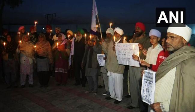 किसान आंदोलन के दौरान जान गंवानेवाले किसानों को पंजाब में कैंडल जुलूस निकाल कर दी गयी श्रद्धांजलि
