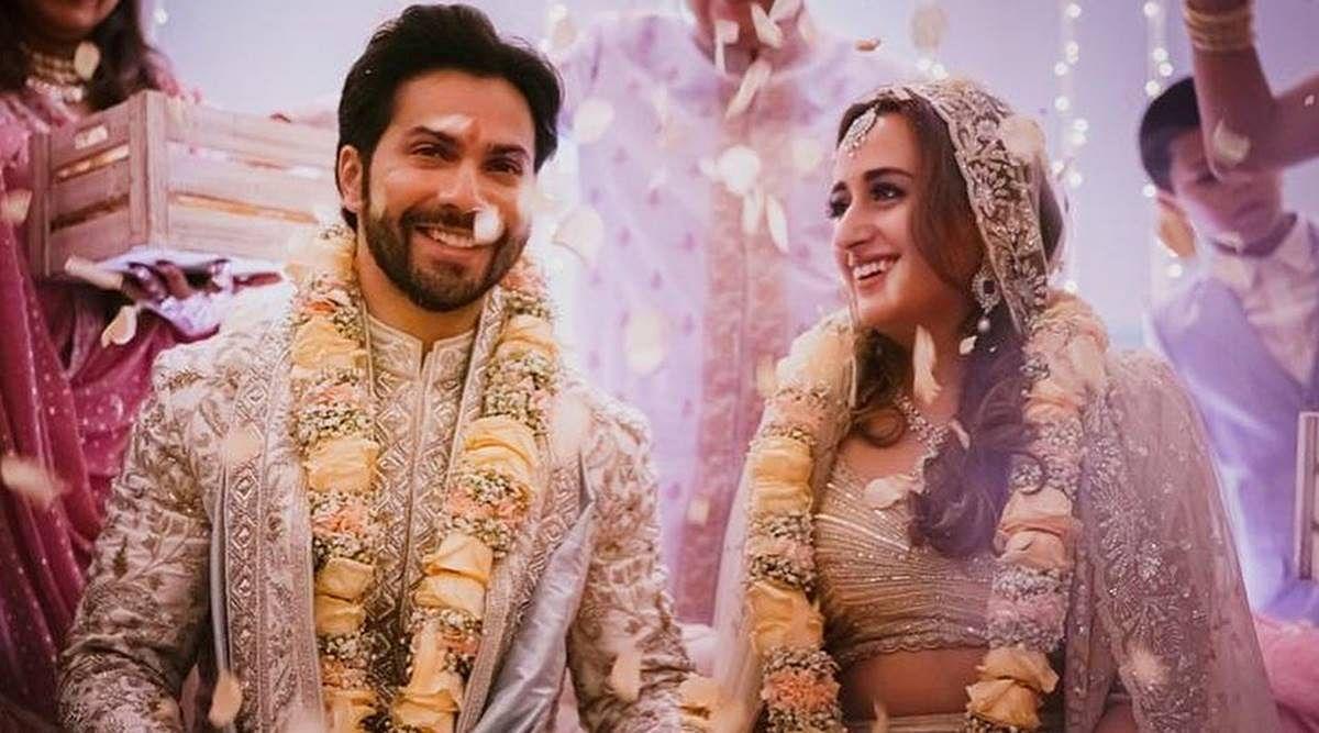वरुण धवन की ऑफ व्हाइट शेरवानी विराट कोहली की शादी की शेरवानी वाले लुक की याद दिलाता है... ये हैं समानताएं