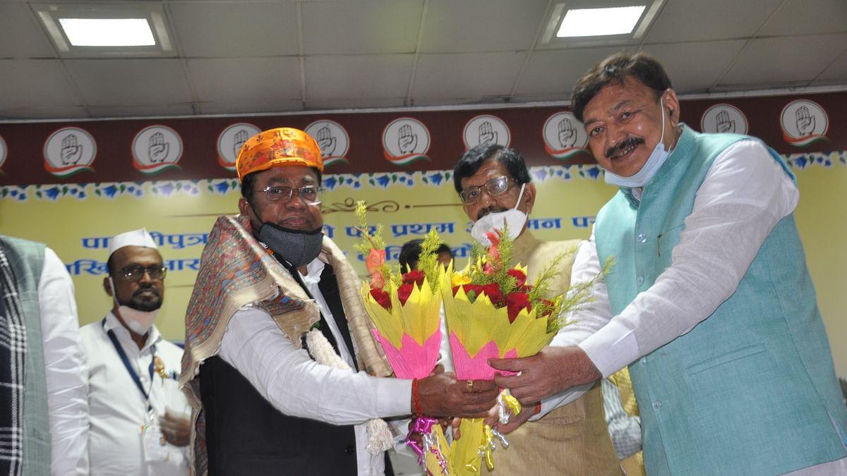 Bihar Congress: कांग्रेस के नए प्रभारी भक्त चरण दास के बिहार आगमन पर बड़े नेता रहे नदारद , सदाकत आश्रम में जमकर बवाल