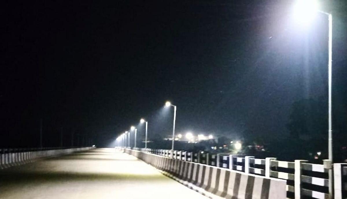लाइट जलने के बाद इतना खूबसरत होता है पुल का नजारा.