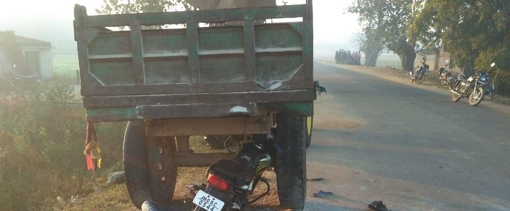 New Year 2021 : झारखंड के गुमला में नये साल की खुशियां मातम में बदलीं, पिकनिक मनाकर लौट रहे तीन दोस्तों की सड़क हादसे में मौत