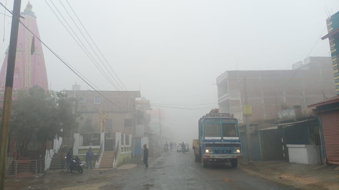 Weather Forecast Jharkhand : जम्मू-कश्मीर में भारी बर्फबारी का झारखंड में असर, जानिए कैसा रहेगा मौसम का मिजाज
