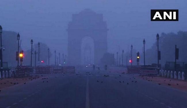 दिल्ली में 1.1 डिग्री सेल्सियस तक लुढ़का पारा, ठंड का 14 सालों का टूटा रिकॉर्ड
