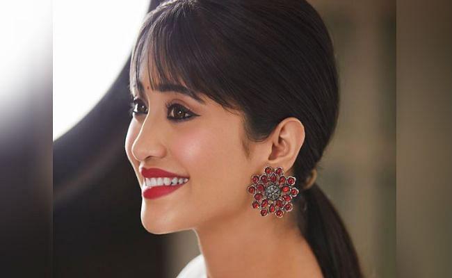 Yeh Rishta Kya Kehlata Hai की 'नायरा' ने शेयर की 2021 की पहली तसवीर, बोल्ड तसवीर देख फैंस बोले- पूछो एक बार...