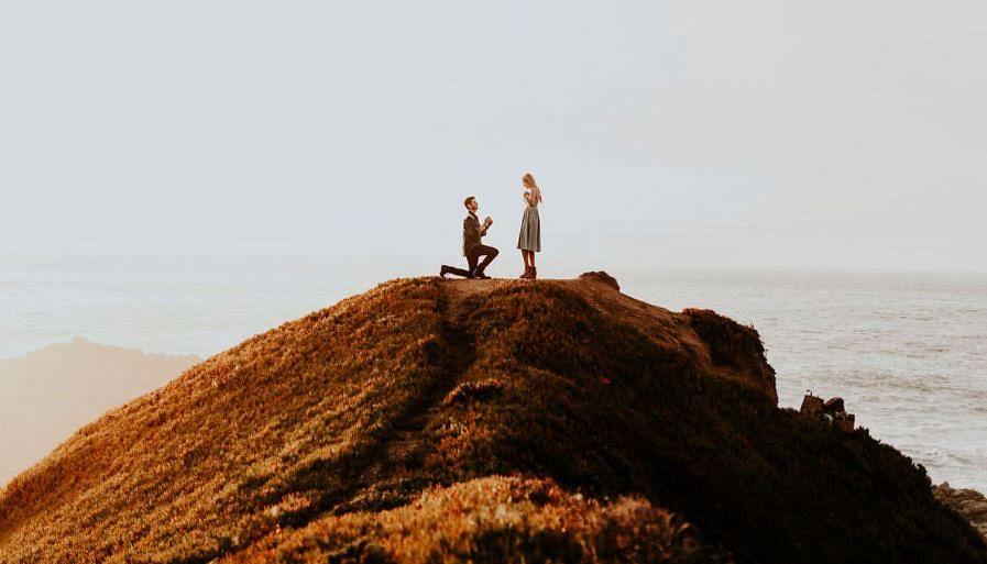 इस प्यार को क्या नाम दें: युवक का रोमांटिक प्रपोजल, 'हां' कहते ही 650 फीट की ऊंचाई से गिरी महिला, फिर हुआ ऐसा...