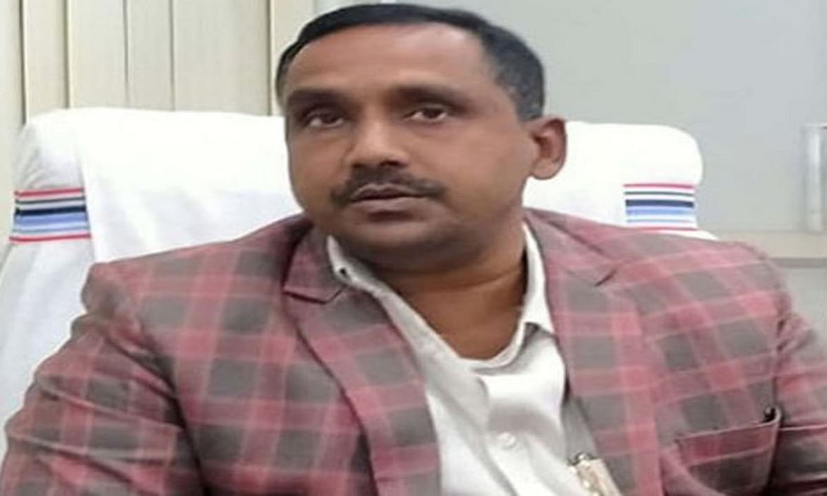 डेढ़ साल में स्वास्थ्य मंत्री बन्ना गुप्ता के बदले आधा दर्जन पीए, जानें कौन कौन कब तक रहे उनके पीए