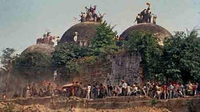 Ayodhya : बाबरी मस्जिद विध्वंस मामले में दो हफ्ते के लिए टली सुनवाई, आरोपितों को बरी करने के खिलाफ दाखिल की गयी है पुनरीक्षण याचिका