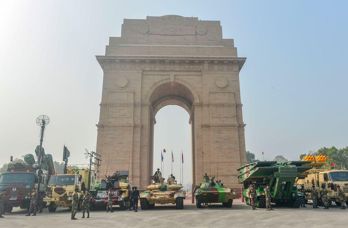 Republic Day Parade LIVE: दिल्ली से लद्दाख तक गणतंत्र का त्योहार, राजपथ पर दिखेगी भारत की ताकत, सुरक्षा के कड़े इंतजाम