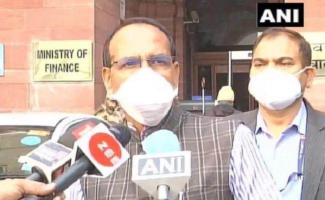FM निर्मला सीतारमण से मिले सीएम शिवराज सिंह, कहा- रेहड़ी-पटरी वालों को लोन देने के लिए CIBIL की अनिवार्यता खत्म की जाए