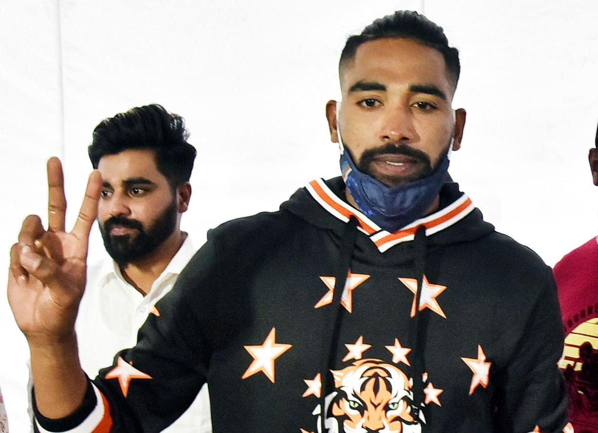 Team India News : घर पहुंचते ही सीधे पिता की कब्र पर पहुंचे मोहम्मद सिराज, तसवीरें देख हो जाएंगे भावुक