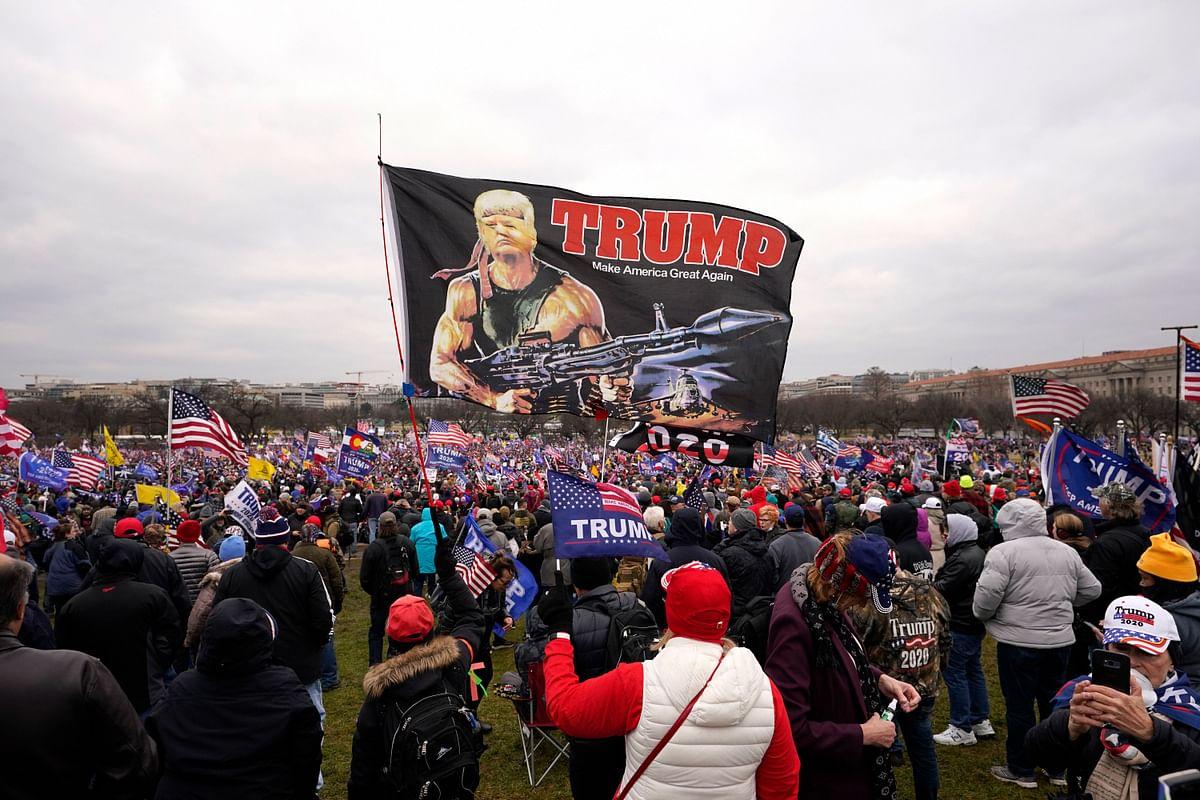 सुपर पावर की बेबसी: दुनिया को लोकतंत्र की सीख देने वाले अमेरिका में भद्दा मजाक, इन तसवीरों को देख झुक जाएगा सिर