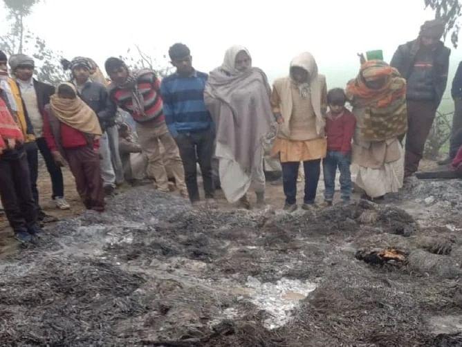 एटा में दर्दनाक हादसाः गांव के बाहर झोपड़ी में जिंदा जले दो लोग