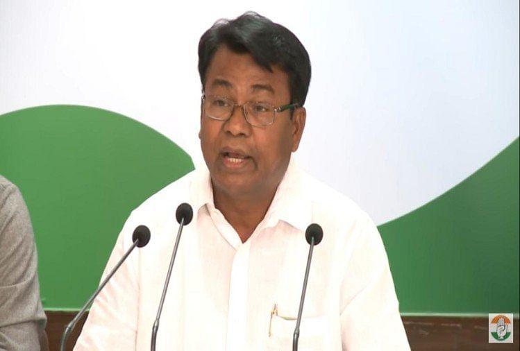 Prabhat Khabar EXCLUSIVE : शराबबंदी के मुद्दे पर नीतीश के साथ खड़ी हुई कांग्रेस, भक्त चरण ने कही ये बात