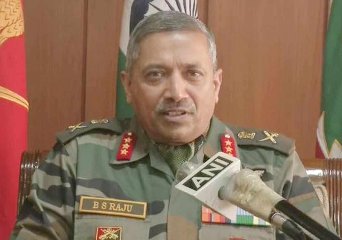 जम्मू-कश्मीर में भटके युवाओं को वापसी का मौका दे रही है सेना, 6 माह में 17 आतंकियों का आत्मसमर्पण