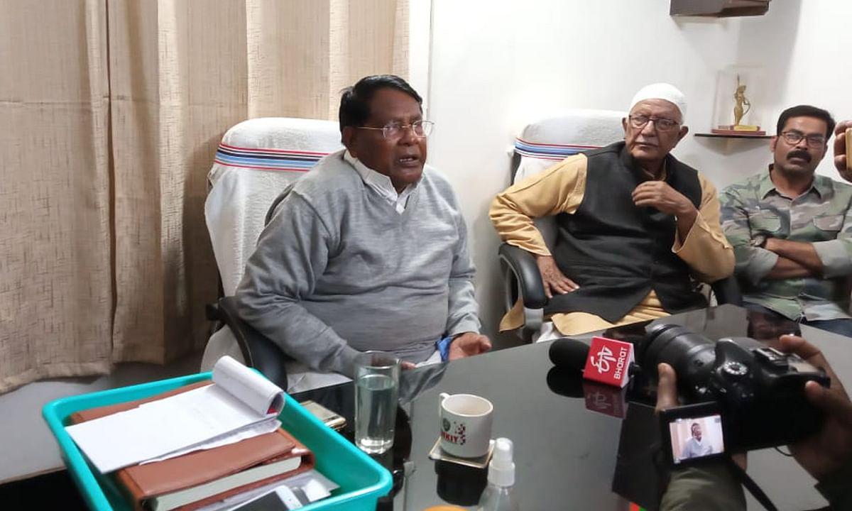 झारखंड के वित्त मंत्री डॉ रामेश्वर उरांव की जनता दरबार, सैकड़ों फरियादियों ने सुनायी अपनी समस्या