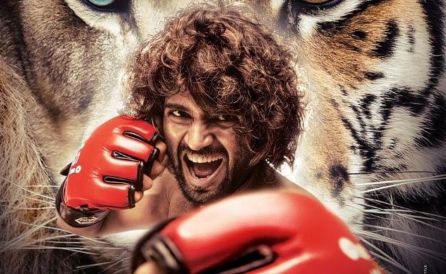 सुपरस्टार विजय देवरकोंडा की फिल्म 'LIGER' का फर्स्ट पोस्टर रिलीज, अनन्या पांडे संग दिखेंगे एक्टर