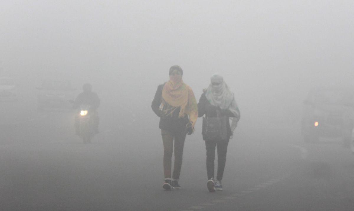 Weather Forecast Today LIVE Update :  शीतलहर की चपेट में कई राज्य, झारखंड में होगी  बारिश, जानें दिल्ली-बिहार-यूपी सहित देश के अन्य राज्यों का हाल