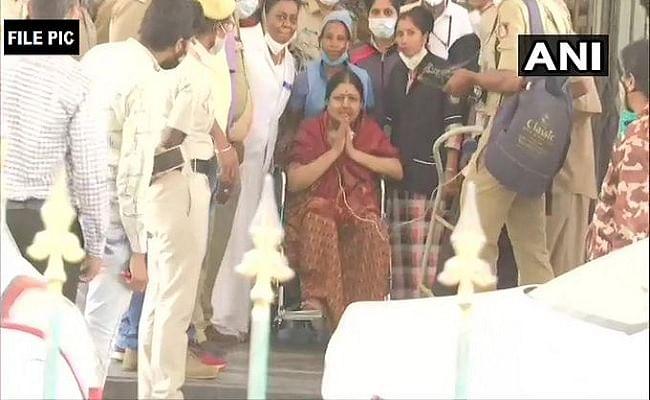 जयललिता की करीबी रही शशिकला की तबीयत बिगड़ी, बेंगलुरु के विक्टोरिया अस्पताल में कराया गया भर्ती, 27 जनवरी को होंगी रिहा