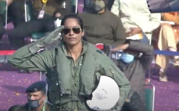 Republic Day Parade LIVE: एयरफोर्स की झांकी में बिहार की बेटी भावना कंठ, ब्रह्मोस, टी-90 टैंक का दिखा जलवा