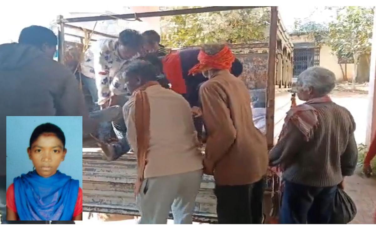 गुमला के पिकनिक स्पॉट में एक छात्रा को सेल्फी लेना पड़ा भारी,  छिड़िया पहाड़ से गिरकर हुई मौत