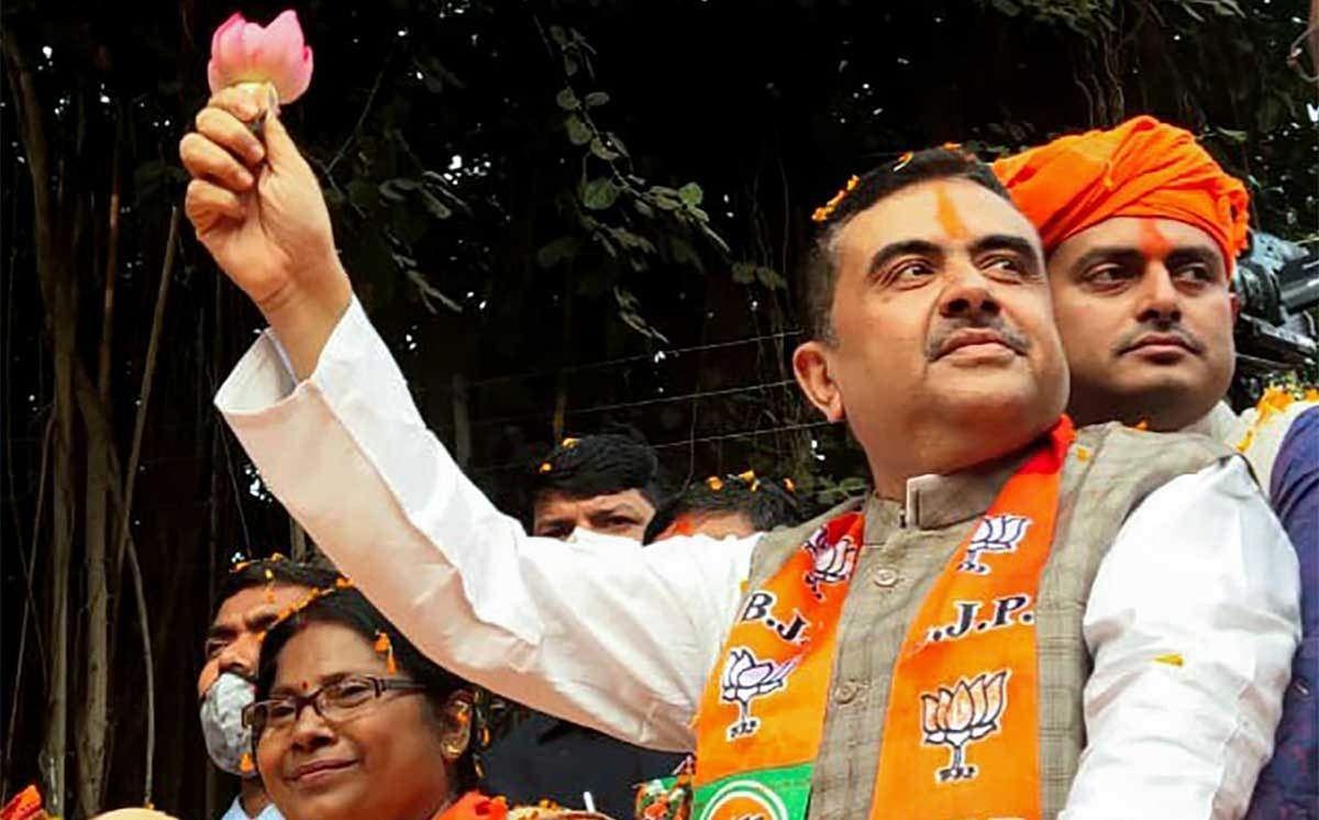Bengal Election 2021: 10 TMC नेताओं को पार्टी ने दिखाया बाहर का रास्ता, कहा - पार्टी में गद्दारों की कोई जगह नहीं
