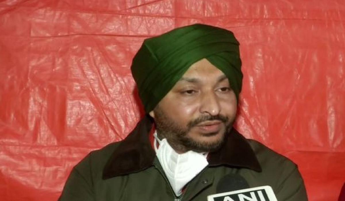 Kisan Andolan News Today : सिंघू बॉर्डर पर प्रदर्शनकारी किसानों ने कांग्रेस सांसद के साथ की धक्का-मुक्की, वीडियो वायरल