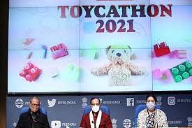 UGC Toykathon 2021 : खिलौना बनायें, गेम डिजाइन करें और पायें 50 लाख रुपये का इनाम, इस तारीख तक कर सकते हैं आवेदन